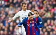 Ronaldo xuất chúng, Messi lo ngay ngáy mất QBV