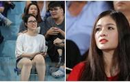 Fan nữ đẹp như thiên thần hâm nóng 'nội chiến U23 Việt Nam'