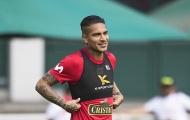 Thoát án cấm dự World Cup vì doping, đội trưởng Peru cười tươi trên sân tập