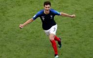 Chàng hậu vệ 'mỳ tôm' cao 1,86 m ghi bàn đẹp mắt cho đội tuyển Pháp