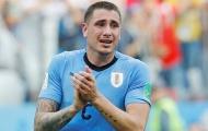 Chỉ trích ngôi sao 'mau nước mắt' của Uruguay, huyền thoại Man United bị ném đá tơi bời