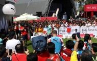NHM Singapore chen nhau trong ngày ra mắt mẫu áo sân khách của Arsenal
