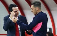Emery chính thức lên tiếng về quyết định bỏ rơi Ozil