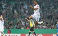 Ấn tượng! 'Cận vệ già' của Bundesliga tiếp tục sắm vai kỷ lục gia