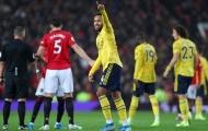 Neville nhận định về vị trí của Maguire trong bàn thua của United