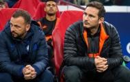 Thẻ vàng dành cho đối tượng bất ngờ ở trận Ajax - Chelsea
