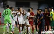 HLV Park Hang-seo lao vào sân, bênh vực Tiến Linh sau tình huống bị gây hấn