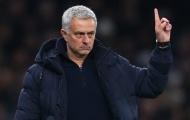 Mourinho ra tay, cướp 'báu vật' của M.U khỏi OTF