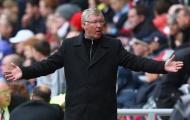 'Sir Alex đứng đợi và xin lỗi, bởi vì tôi đã ở Man Utd từ năm 21 tuổi'