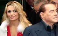 Bỏ bạn gái lâu năm, 'bố già' Berlusconi hẹn hò người đẹp kém 53 tuổi