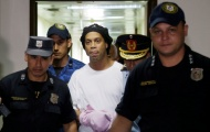 Vì COVID-19, Ronaldinho nhận thêm tin không vui trong nhà tù Paraguay
