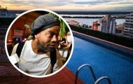 Ronaldinho hưởng cuộc sống xa hoa sau khi rời nhà tù
