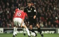 Redondo đánh gót kỹ thuật ở trận đấu với Manchester United