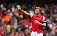 'Anh ta giống như anh trai của tôi tại Arsenal vậy'