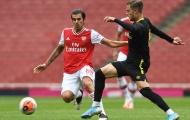 Chuẩn bị 'chiến' Man City, Arsenal thua sốc đại diện Championship