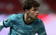 Sao trẻ Liverpool bị CĐV nhà chửi bới, Van Dijk nói chuyện an ủi