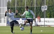 'Hàng hớ' Chelsea nỗ lực ghi điểm với HLV Pirlo