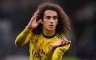 Thủ thỉ với Ozil, 'kẻ nổi loạn' chia tay Arsenal