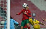 Ronaldo lại 'bay giữa ngân hà', Bồ Đào Nha hủy diệt đối thủ 7-0