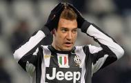 8 phi vụ quái lạ trong lịch sử túc cầu: 'Messi mới', nụ cười gượng năm 2006