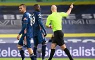 Huyền thoại M.U: 'Pepe thực sự ngớ ngẩn. Cậu ấy phải xin lỗi cả đội'
