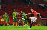 Cách đá penalty của Bruno Fernandes đã bị bắt bài?