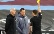La hét đối thủ, Terry bị phạt thẻ vàng