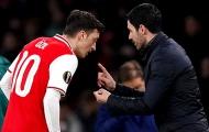 Arsenal gặp khó, Paul Merson nêu ra điều HLV Arteta nên làm với Ozil