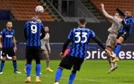 Bị bóng rơi vào đầu tại UCL, Lukaku vẫn chưa hết choáng váng