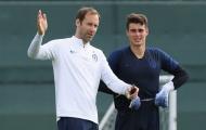 Bức xúc với VAR, Petr Cech đưa ra giải pháp