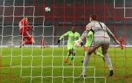 Lewandowski vượt mốc 250 bàn thắng, Bayern vẫn ở ngôi nhì bảng Bundesliga