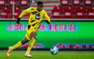 Bundesliga đã thấy sự đáng sợ của 'thần đồng' viết lịch sử tại Borussia Dortmund?