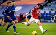 Nã đạn vào lưới Leicester, Bruno cân bằng kỷ lục của Cristiano Ronaldo