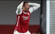XONG! Thắng Chelsea, Arsenal hứng chịu đòn giáng mạnh