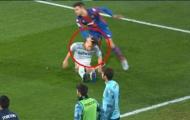 VAR 'tặng' thẻ đỏ cho pha vả mặt đồng nghiệp tại La Liga