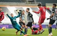 'Người nhện' quá xuất sắc, Liverpool sa lầy trước Newcastle