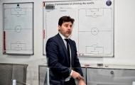 Ngày đầu ở PSG, Pochettino đến ngay bàn chiến thuật