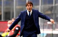Conte nổi điên chửi mắng 'đồ tể' Vidal ngoài đường pitch