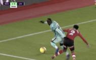 Quá đen đủi, Liverpool bị mất oan 2 quả pen?