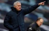 Glenn Hoddle chỉ ra cầu thủ như Bruno Fernandes để Mourinho chiêu mộ