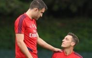 'Nạn nhân' của Arteta nháy mắt với Ozil, lộ bến đỗ mới nếu rời Arsenal