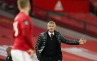 Man United bị loại, Carragher lập tức 'trả đũa'