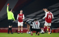 Nhìn lại 19 phút cay đắng và ngọt ngào của 'kẻ cứu rỗi' Arsenal