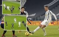 Ronaldo biến 4 cầu thủ Genoa thành gã hề, mở ra chiến thắng cho Juventus