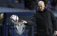 CĐV Real đồng lòng làm 1 điều, Zidane hoang mang tột độ