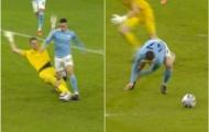 VAR lại 'tấu hài' trong màn hủy diệt Southampton của Manchester City