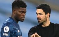Arteta lý giải việc rút Partey khỏi sân trong hiệp 2 trận Olympiacos