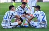 Trợ lý Inter tâng bốc 2 cựu sao Man Utd sau trận thắng nghẹt thở Torino