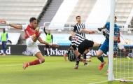 Aubameyang tung cánh, Arsenal thắng vượt trội Newcastle