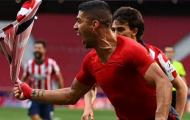 Suarez chói sáng, Atletico dẫn trước Real tại La Liga